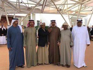 شيخُ محافظة أرخبيل سقطرى سليمان بن ذي عبيدهل بن كلشات، إلى جانب محمد بن زايد ومجموعة من الضباط والمسئولين الإماراتيين